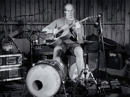 Veranstaltung mit freiem Eintritt: Frank Plagge (Acoustic Blues)