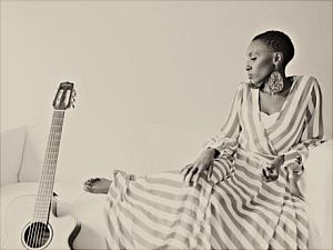 Naomi Wachira - Afrikanische Rhythmen, Fol...